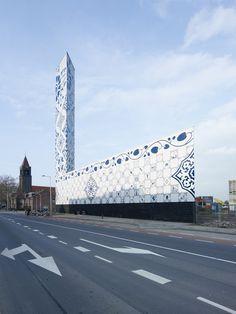 Artistic Amenity. Architect: de Architekten Cie. Location:  Overijssel Stadshaard, Enschede, Netherlands. Year: 2010. Photos: Jeroen Musch.