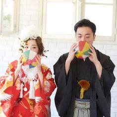 かわいすぎてOMG! ウエディングフォト最・前・線|ゼクシィ Wedding Notes, Japanese Wedding, Wedding Photography Inspiration, Wedding Flowers, Kimono, Marriage, Poses, Bridal, Couples