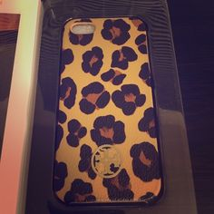 Tory Burch Kerrington Hardshell iPhone 5 Case iPhone 5 Animal Print Tory Burch case! Used with some wear around edges. Tory Burch Accessories Phone Cases