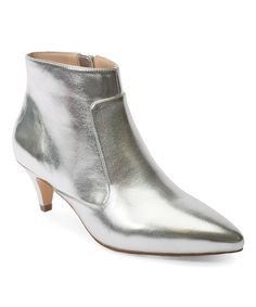 How a minimal wardrobe need not be boring - look better with less Capsule Wardrobe Women, Fashion Capsule, Silver Boots, White Boots, Women's Boots, Stylish Outfits For Women Over 50, Over 60 Fashion, Fall Fashion, Kitten Heel Ankle Boots
