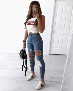 30 Jeans Tendance Qui Vont Vous Faire Craquer 30 Trendy Jeans That Will Make You Crack Cute Summer Outfits, Fall Outfits, Cute Outfits With Jeans, Cute Casual Outfits For Teens, Jean Skirt Outfits, Work Outfits, Chic Outfits, Cute Jeans, Cute Girl Outfits