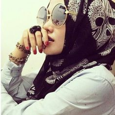 headscarf + glasses