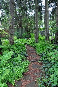 30 Most Wonderful Woodland Garden Design Ideas - Garten Ideen Br House, Cottage Garden Design, Cottage Gardens, Woodland Garden, Forest Garden, Garden In The Woods, Natural Garden, Shade Plants, Pond Plants