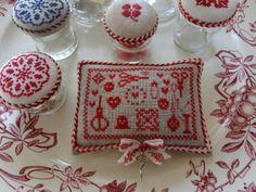 Pincushion from Atelier Steekjes & Kruisjes
