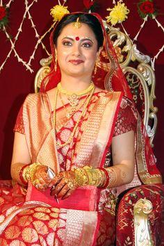 Bengali Bride in Benarasi saree