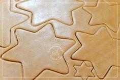Obrazek: Ciasto na pierniki Cookie Cutters, Cookies, Desserts, Food, Crack Crackers, Tailgate Desserts, Deserts, Biscuits, Essen