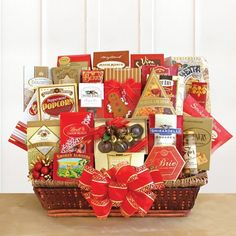Holiday Extravaganza Send BIG holiday wishes their way and let them know how much you appreciate them! This gourmet extravaganza of goodies is filled to the brim with warm holiday wishes and warm thoughts. Gourmet Gift Baskets, Christmas Gift Baskets, Gourmet Gifts, Holiday Wishes, Holiday Gifts, Christmas Gifts, Christmas Ideas, Brie