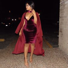 Red Velvet #burgundyvibes Dress: @sugarpopped Trench: @bejealousclothing Heels: @lolashoetique