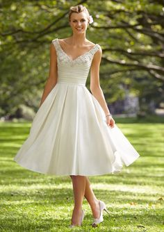 2014 Simple V Neck A Line Beaded Crystal Corset Beach Short Knee Length Wedding Dress