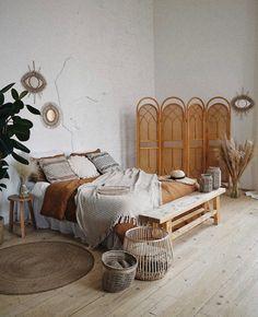 Une déco bohème autour du rotin | My Blog Deco Boutique Deco, Deco Boheme, Small Room Design, Blog Deco, Bedroom Furniture, Master Bedroom, Minimalist, Simple, Home Decor