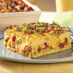 Easter is coming – Easy Egg Casserole 8 eggs 3 cups milk teaspoon ground black pepper 8 cups French bread cubes pieces) 1 package Jimmy Dean Hearty Original Sausage Crumbles 2 cups ounces) shredded sharp cheddar cheese, divided Breakfast Desayunos, Breakfast Dishes, Breakfast Recipes, Sausage Breakfast, Breakfast Ideas, Christmas Breakfast Casserole, Breakfast Casserole With Bread, Overnight Breakfast, Mexican Breakfast
