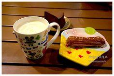 還記得2年前Sky介紹過的【傘甘甜點工坊】嗎?這回下午茶,那香濃的奶茶、巧克力舒芙蕾起司蛋糕和閃電泡芙真是美味,這絕對是草悟道旁最便宜的!台中美食推薦-草悟道旁高C/P值范特喜【傘甘甜點工坊】