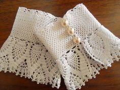 Lace Cuffs, Lace Gloves, Crochet Gloves, Knit Crochet, Crochet Wrist Warmers, Knitting Patterns, Crochet Patterns, Crochet Bracelet, Crochet Videos