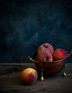 """""""Now having had peach trees as a kid, I jst know tht these Peaches will b jst oooooooooozing w/the stickiest (fruit)juice known to ths woman! (The real thing jst does not sit in a grocery store waiting to b plucked up, anymore.)"""" ~js  vitrifiedstudio ceramics via Annette Mason onto food photography / ceramics photography / product photography / food styling / still life photography"""