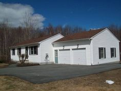 5 Pleasant Ridge Rd, Scarborough, ME  in the Pleasant Hill Neighborhood, Open concept with finished basement and 2 car garage SOLD
