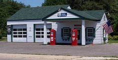 This is on the Rt. 66 Corridor Preservation Program. It is Ambler's Texaco Gas Station, Dwight, Illinois, not many miles from our farm.