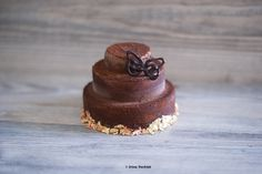 Raw vegan - dark chocolate truffle cake
