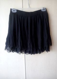 Kup mój przedmiot na #vintedpl http://www.vinted.pl/damska-odziez/spodnice/11327706-nowa-spodniczka-stradivarius-rozmiar-m-z-metkami