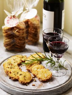 Cheese-and-Rosemary-Sables-These buttery, crumbly, melt-in-the-mouth biscuits make great cheesy vegetarian canapés to serve with drinks. They also make a brilliant Christmas gift. Christmas Nibbles, Christmas Canapes, Christmas Recipes, Christmas Ideas, Homemade Christmas, Christmas Gifts, Christmas Hamper, Christmas Foods, Christmas Stuff