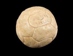 Pelé Auctioning 2,000 Pieces of Personal Memorabilia