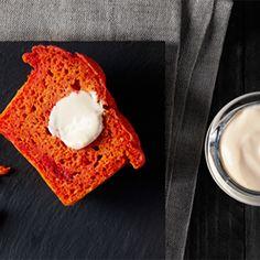 Recette : Muffins apéritifs à la betterave et coeur surprise au Maroilles - Rece...