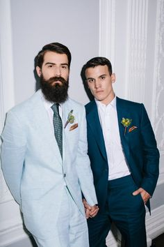 Today we will get inspired by the hottest groom looks for gay marriages. Gays are known for their attention to detail, great sense of style and chic outfits . Lgbt Wedding, Wedding Show, Wedding Men, Wedding Suits, Blue Wedding, Wedding Colors, Wedding Ideas, Wedding Tuxedos, Wedding Groom