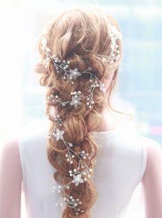 Virágos hajfüzér, hajdísz Fashion, Moda, Fasion, Trendy Fashion, La Mode