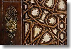 images/Africa/Egypt/Cairo/Coptic/arabic-design-door-05.jpg