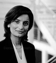 http://www.exposurephotography.co.uk/portrait-photography/images/office_corporate_portrait.jpg