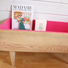 Mademoizelle K, Meuble DIY pour livres. Grand caisson en bois , vernis mat à…