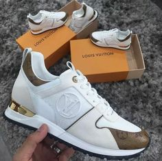 Louis Vuitton White Sneakers / Only Me 💋💚💟💖✌✔👌💙💚 xoxo Zapatillas Louis Vuitton, Louis Vuitton Sneakers, Hot Shoes, Shoes Heels, Baskets, Cute Sneakers, Sneaker Heels, Swagg, Sneakers Fashion