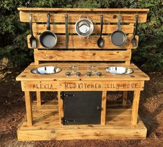 Mud kitchen, decking oil frame different heights age different bench finishes) fully assembled, – natural playground ideas Outdoor Play Kitchen, Mud Kitchen For Kids, Kids Outdoor Play, Natural Playground, Recycled Wood, Decoration Table, Play Houses, Pallet Ideas, Pallet Furniture