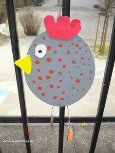 This chubby chicken is so easy, so cute! Maybe pre-punch holes in edges of 2 paper plates and weave together, with yarn. Yellow feathers for a tail would make it so adorable, and extra texture from pompoms all over, too! (Spring craft for kids) Toddler Crafts, Preschool Crafts, Easter Crafts, Spring Projects, Spring Crafts, Diy And Crafts, Crafts For Kids, Arts And Crafts, Easter Activities