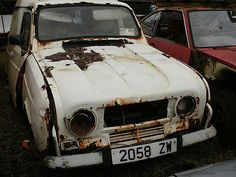 A very rusty Renault 4L