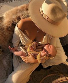 Matilda djerf's sister - Motherhood & Child Photos Cute Family, Baby Family, Family Goals, Mom And Baby, Baby Kids, Foto Baby, Future Mom, Cute Baby Pictures, Beautiful Pictures