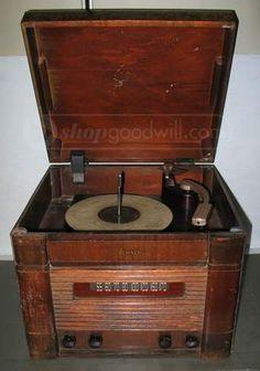 DeWald Combo AM Radio/Phonograph