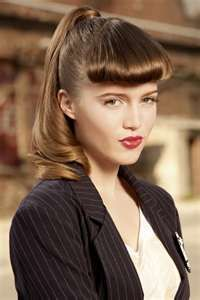 Pony in the Look for Sam if she still has bangs-pin it from carden 40s Hairstyles, Spring Hairstyles, Ponytail Hairstyles, Vintage Hairstyles, Wedding Hairstyles, Fashion Hairstyles, Updos, Curled Ponytail, Curled Bangs