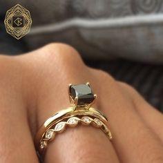 Spectacular Black Diamond Ring