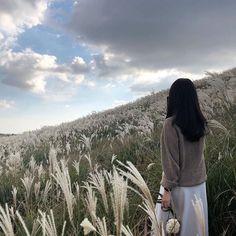 Gray Aesthetic, Nature Aesthetic, Japanese Aesthetic, Korean Aesthetic, Aesthetic Photo, Aesthetic Girl, Aesthetic Pictures, Girl Photo Poses, Girl Photos