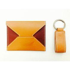 Made with leather de Rouen #cardwallet #wallet #handicraft  #handmade #카드지갑 #명함지갑 #핸드메이드 #주문제작 이태리소가죽으로 제작되었으며 사이즈는 11*8.5 입니다. 카드 및 명함 겸용 지갑이며 이니셜 각인가능합니다. 문의는 전화 010 6501 0870 카톡 koyouyul