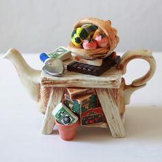 i like these odd tea pots