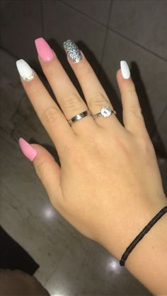 Pin by Kary Martínez on in 2019 Pin by Kary Martínez on Naails&# Pin von Kary Martínez auf Naails ': 3 im Jahr 2019 Pin von Kary Martínez auf Naails & # nails ideas Aycrlic Nails, Cute Nails, Pretty Nails, Manicures, Coffin Nails, Fake Gel Nails, Pink Acrylic Nails, Pink Nails, Acrylic Nails For Summer Glitter