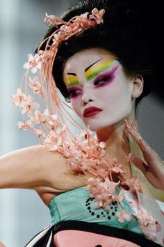 "John Galliano for Christian Dior Haute Couture Spring 2007 ""Madame Butterfly"" Dior Haute Couture, Couture Christian Dior, Couture Makeup, John Galliano, Galliano Dior, Geisha Makeup, Eye Makeup, Dior Makeup, Fairy Makeup"