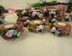 Pembe Mavi Kütük Mumluk - Wood Slice Crafts, Baptism Decorations, Japanese Gifts, Sewing Stitches, Wooden Decor, Wood Slices, Project Board, Happy Day, Wedding Gifts