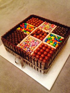 ideas for birthday box cake desserts Birthday Cake Cookies, Torta Candy, Candy Cakes, Kids Chocolate Cake, Bolos Naked Cake, Birthday Cakes For Teens, Birthday Box, Dessert Boxes, Teen Cakes
