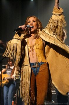 Listen to every Sheryl Crow track @ Iomoio Country Music, Sheryl Crow, Hip Hop, Women Of Rock, Star Wars, Thing 1, Music Icon, Female Singers, Music Artists
