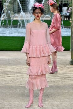 See Every Look from Chanel Couture Spring 2018  - crfashionbook