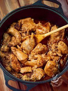 Il Pollo alla georgiana è una libera interpretazione, rivisitata a fantasia della cuoca, della squisita ricetta del Pollo chakhokhbili. Ottimo!