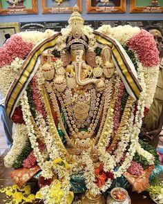 Shri Ganesh Images, Sri Ganesh, Ganesh Lord, Ganesha Pictures, Radha Krishna Images, Bal Krishna, Om Namah Shivaya, Om Gam Ganapataye Namaha, Lord Ganesha Paintings
