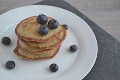 Havermout pannenkoekjes: we eten ze bijna ieder weekend! Het is een feestelijk ontbijt, waar we in het weekend graag de tijd voor nemen.